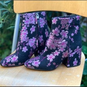 SAM EDELMAN Taye Cherry Blossom Boots Booties 5